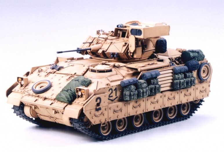 Tamiya 1 35 M2A2 ODS Infantry Fighting Vehicle 35264